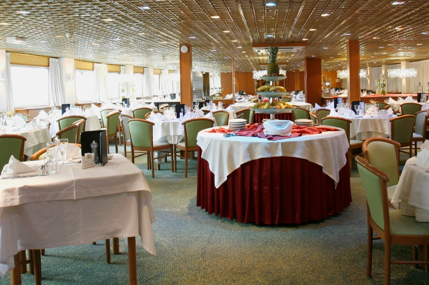 Restaurant of the MS Fernao de Magalhaes