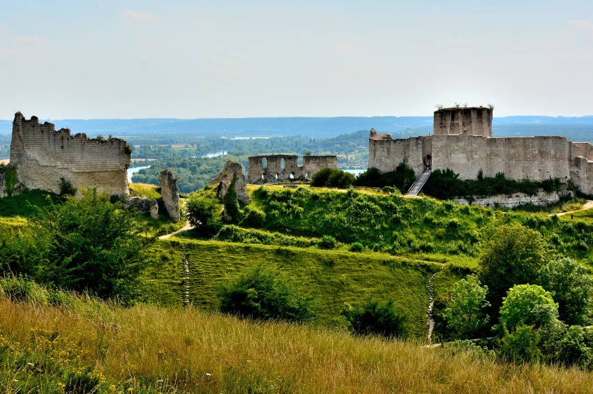 The Finest and Most Picturesque Ports of Call in the Seine Valley ...