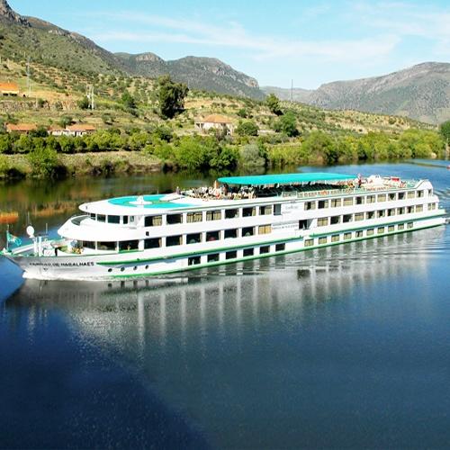 MS Fernao de Magalhaes en navigation sur le Douro