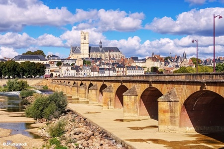 Discover the Loire Canal In the heart of France,  charming cities reveal their secrets from Nevers to Briare