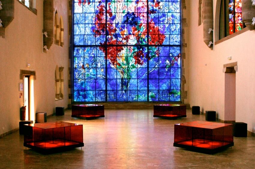 """Vitrail """"La Paix"""" de Marc Chagall"""