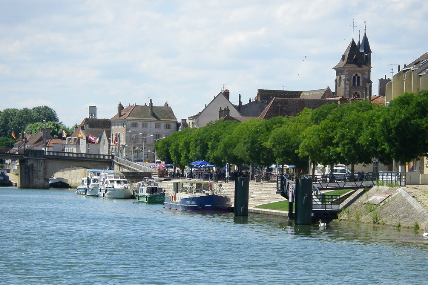 Docks in Saint Jean de Losne