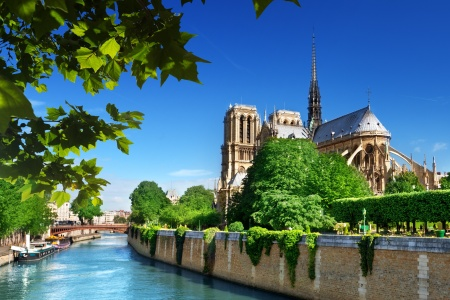 EXTRAORDINARY PARIS (PORT-TO-PORT CRUISE)
