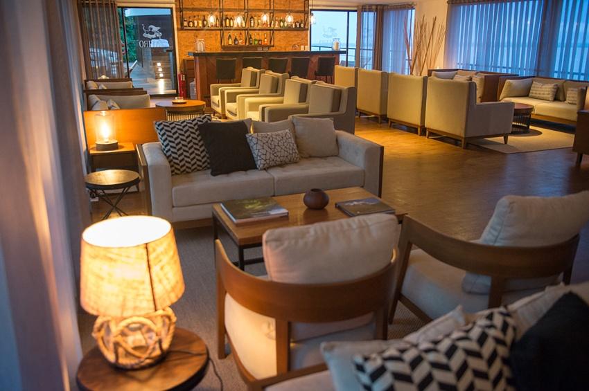 Espace salon bar du Zafiro