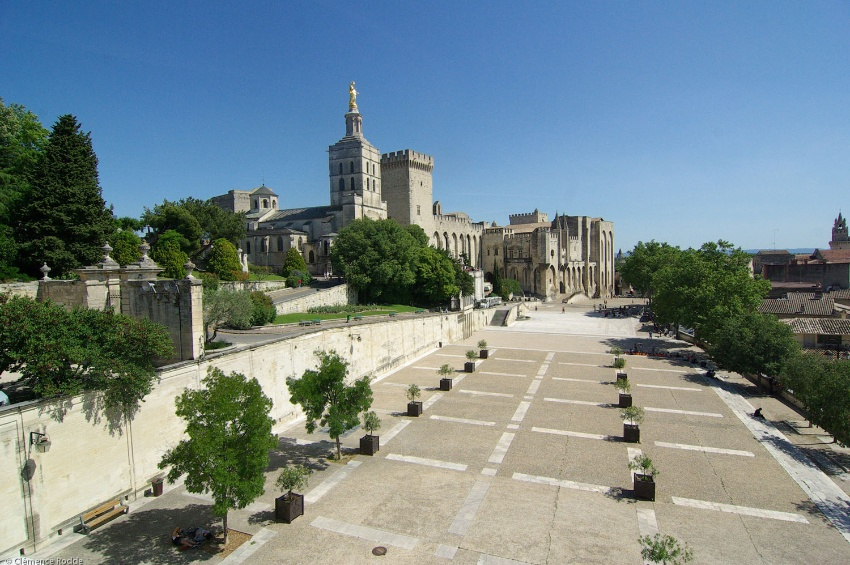 Avignon and the Pope's Palace   CroisiEurope Cruises