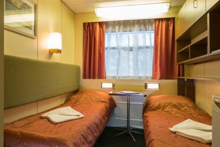 Deux lits dans une cabine