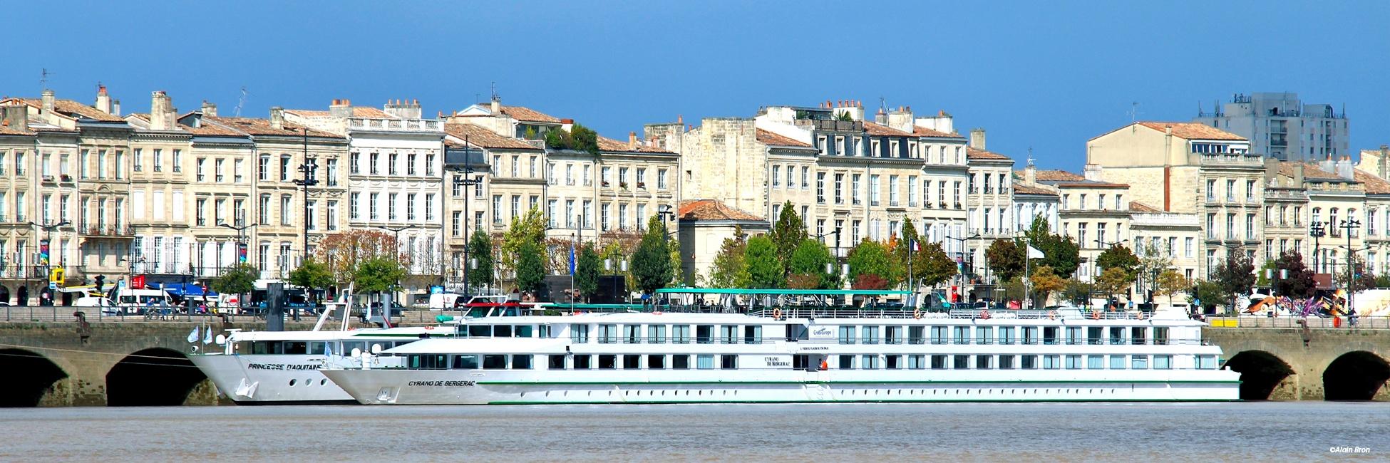 MS Cyrano de Bergerac à quai
