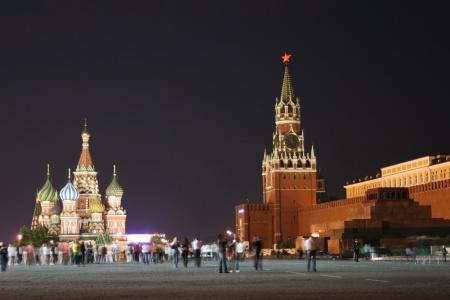 Place rouge de nuit à Moscou