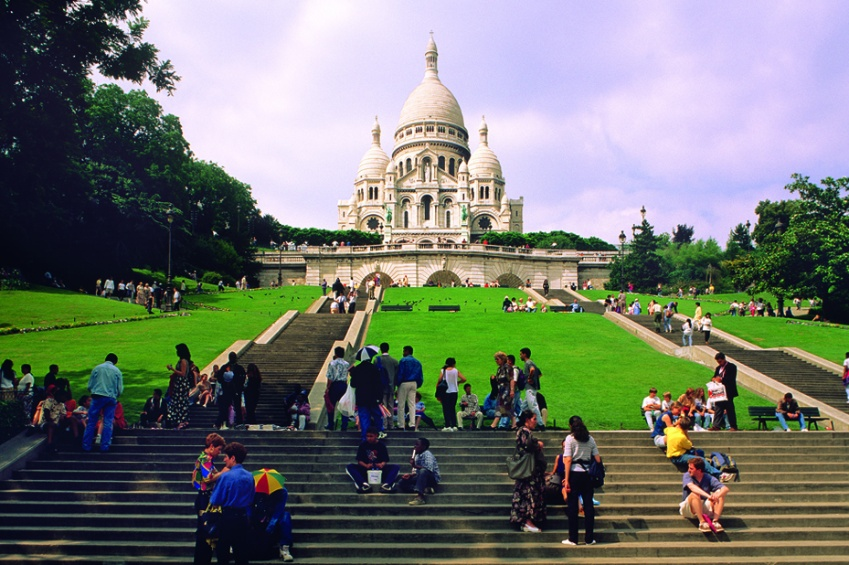 The Montmartre hilltop and the Sacré-coeur