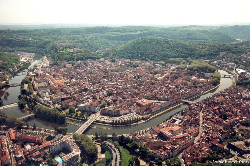 Vue aérienne de Besançon