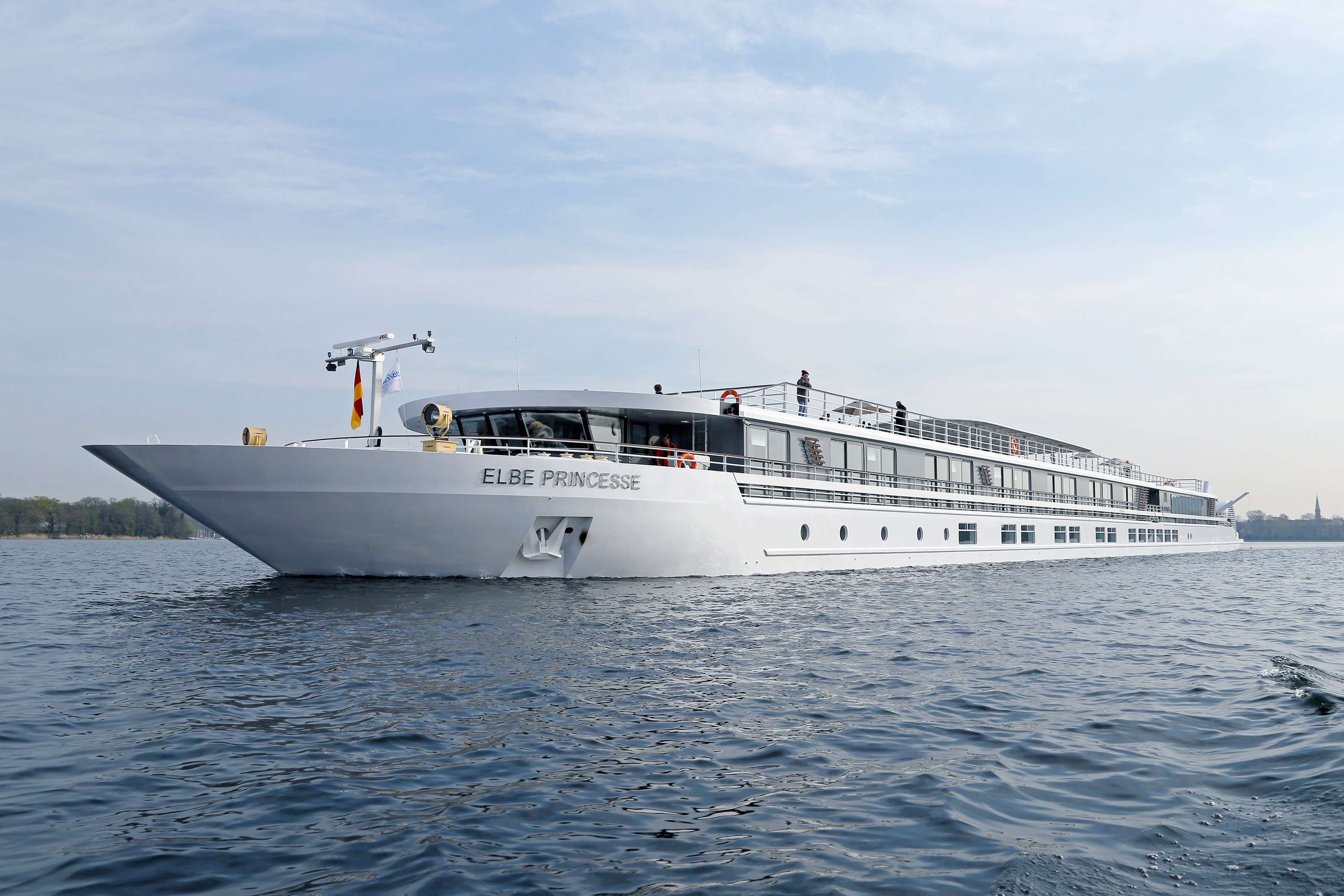 NEW IN 2016 : From Berlin to the heart of Prague on board the MS ...
