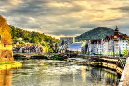 The breathtaking Doubs River Valley - Natural Scenery and Architectural Beauty