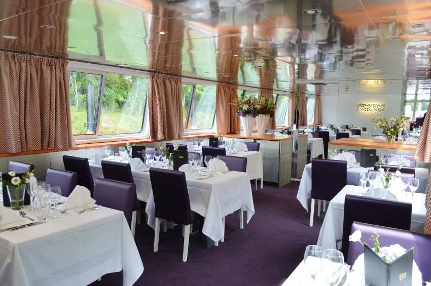 Restaurant of the Raymonde vessel