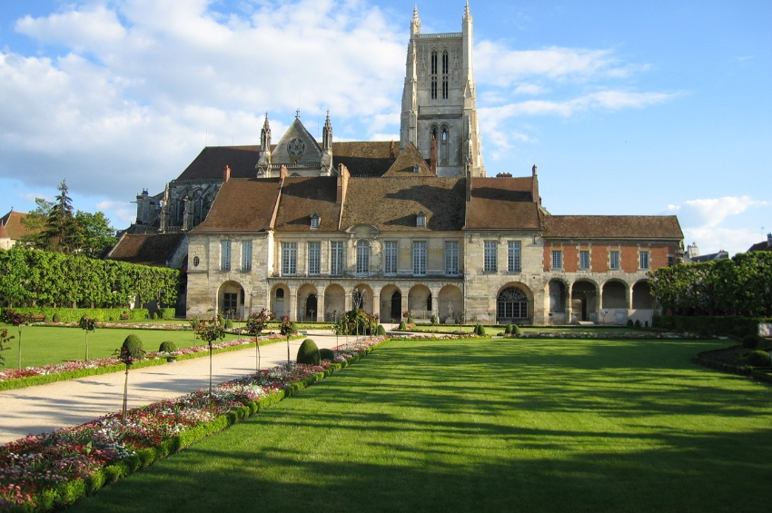 Cruise on the marne canal from paris to epernay for Champagne marne