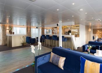 Salon bar du bateau