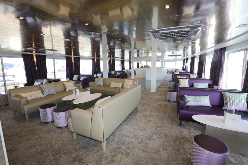 Salon bar du navire