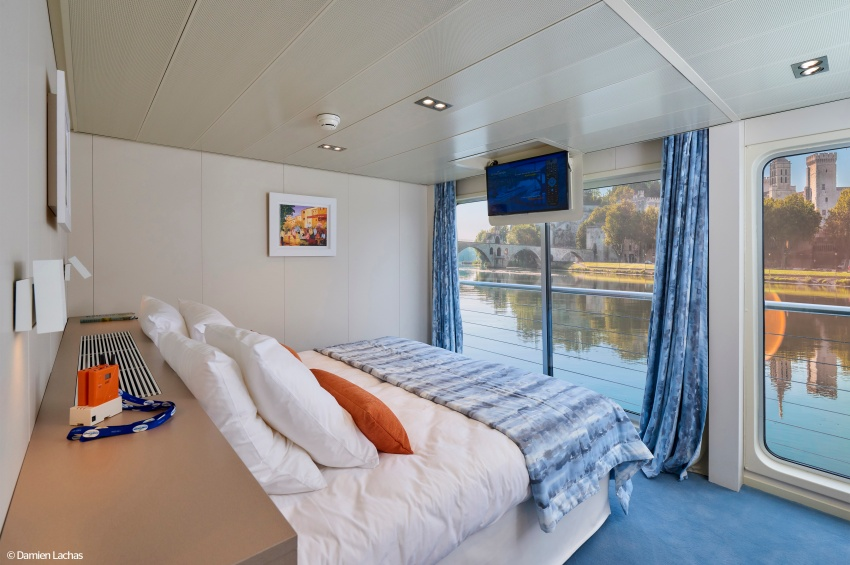 ms van gogh small ship cabin photos deck plans and cruises croisieurope cruises. Black Bedroom Furniture Sets. Home Design Ideas