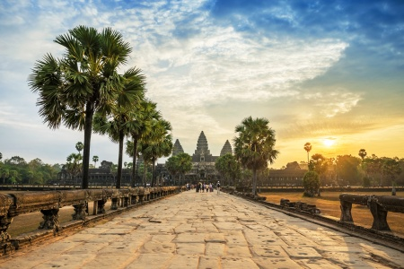 how to get to angkor wat from hanoi