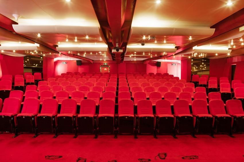 Salle de cinéma du RV Legend