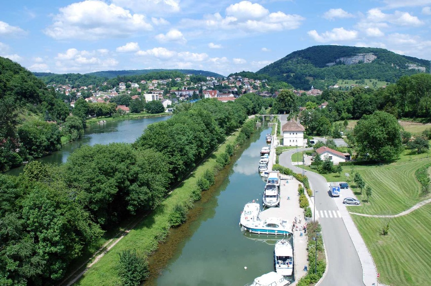 River stop in Baume les Dames