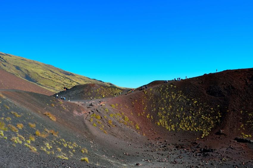 Marcheurs sur le mont Etna